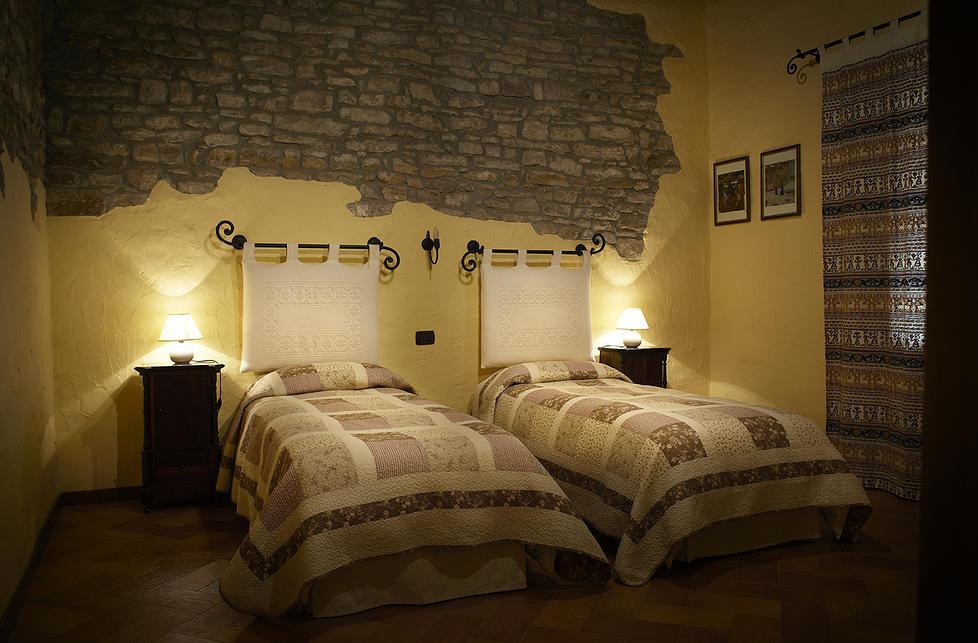 Antica Casa Pasolini-1d42d6_2f11b5004e47401f938d33628d8afbb9.jpg_srz_p_978_643_75_22_0.50_1.20_0.jpeg